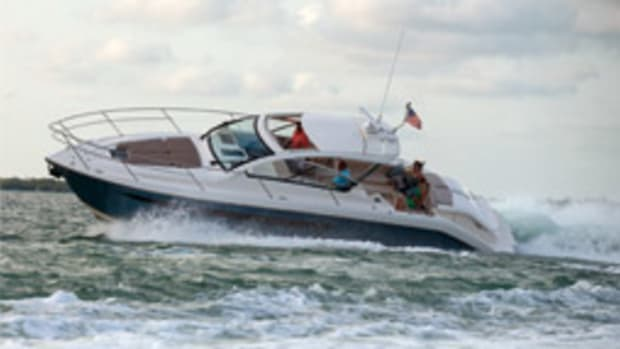 The Pursuit SC 365i's contemporary styling on deck and below should appeal to the whole family.