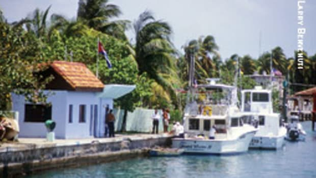 The customs office at Marina Hemingway.