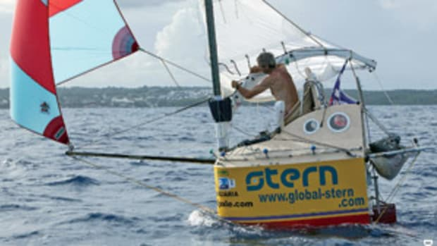 Frenchman Franck Andreotta completes his 2,800-mile voyage from the Canary Islands to the Caribbean aboard his 5-foot, 7-inch boat, Stern.