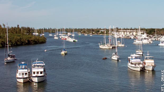 Vero Beach City Marina's moorings and docks occupy the deep, protected waters of Bethel Creek, just off Intracoastal Waterway Mile 952. Anchoring is not allowed in the creek, but up to three boats can raft on a single mooring.