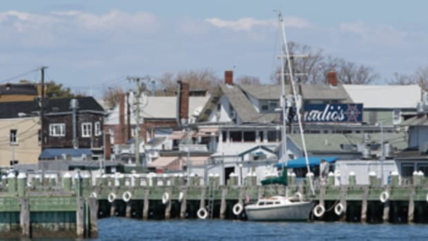 Greenport's location, on the east end of Long Island's North Fork, makes it a popular destination for South Fork and Connecticut shoreline cruisers.
