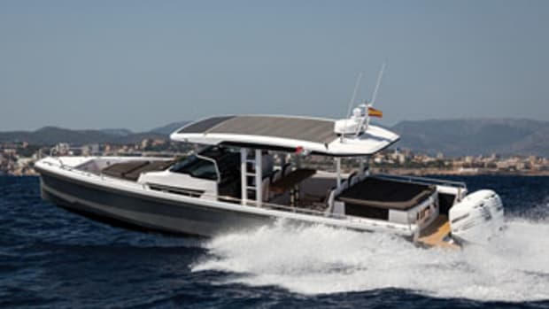 The Axopar 37 comes in T-top and pilothouse models.
