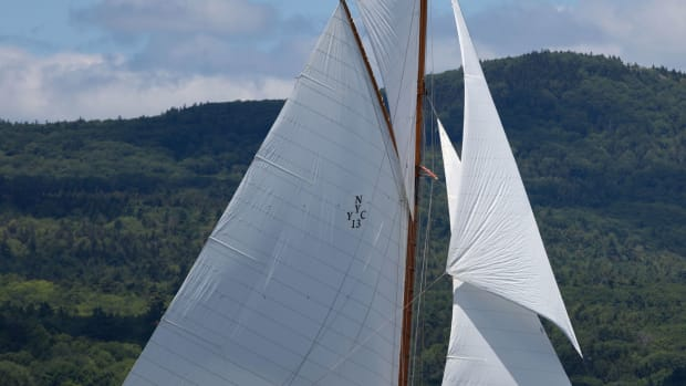 Photo of the Marilee under sail