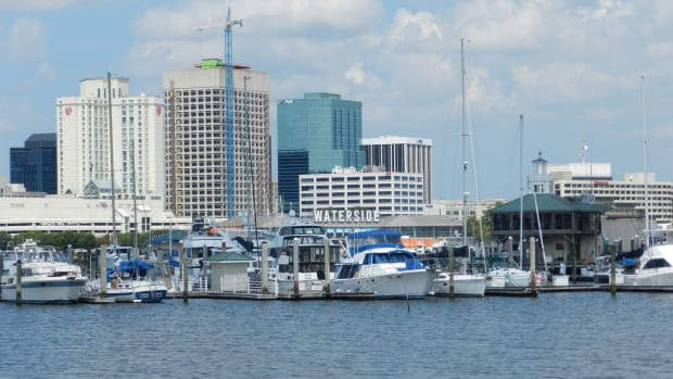 Photo of Norfolk or portsmouth virginia docked boats