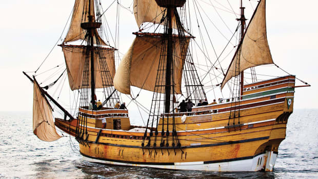 mayflower-ii-beakhead-forecastle--and-towering-stern-castle-are-all-prominent