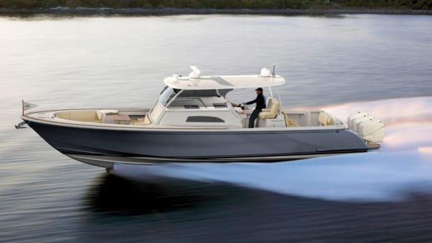 Hinckley-Sport-Boat-CC_Running_High-Res
