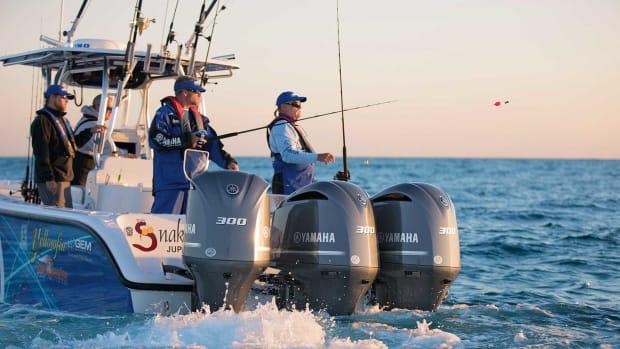 F300s_Fishing_1O2A7471-30p_1800