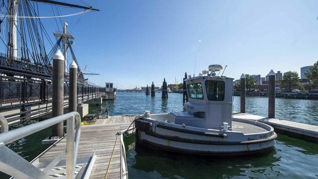 mil-boomin-beaver-tug-boat-1800