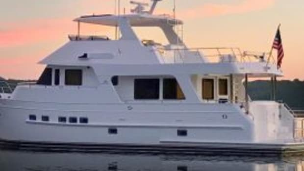 outer-reef-610-motoryacht1 (1)