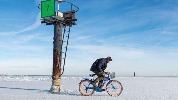 Tangier-Ice-Biking-©-Jay-Fleming