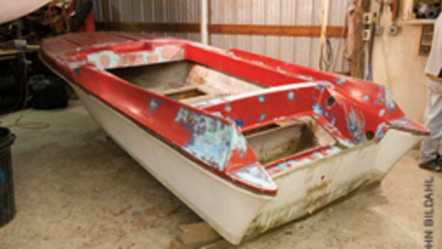 When Bildahl saw the free boat, he immediatly fell in love with her lines - good thing because she was looking pretty rough.