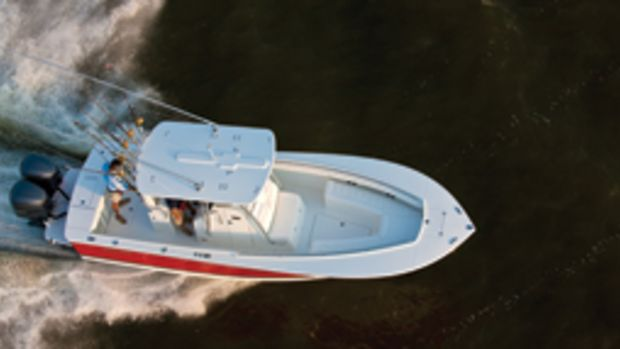 The Regulator 28FS is a serious fishing boat with plenty of family-friendly features.