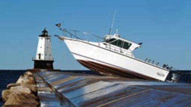 This mishap illustrates the need for a high degree of situational awareness on the water.