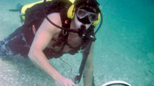 Tim Gidus, president of Gold Coast Explorations, explores the mystery wreck.