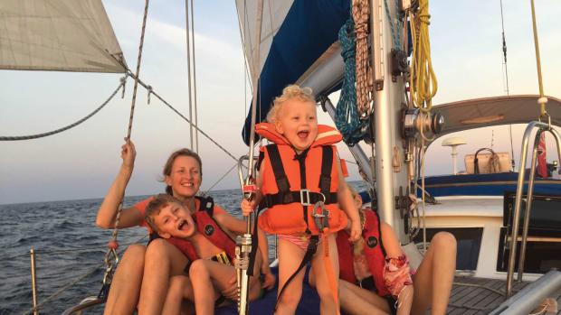 sailing-the-Arafura-Sea-lg