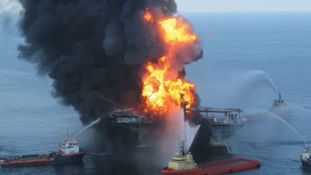 oil-rig-fire-coast-guard