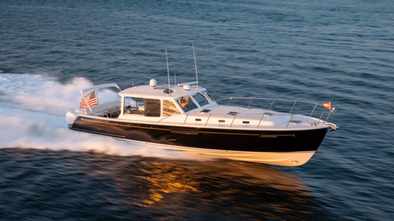 Ultra-Performance MJM 53z Outboard Day-Yacht
