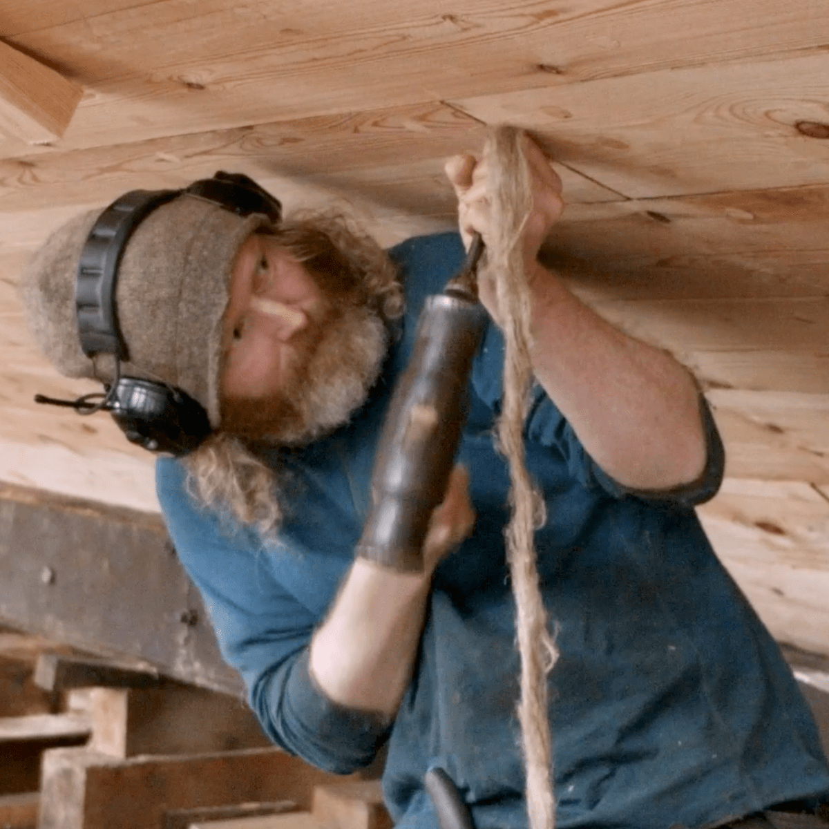 Caulking A Traditional Wooden Fishing Boat Soundings Online
