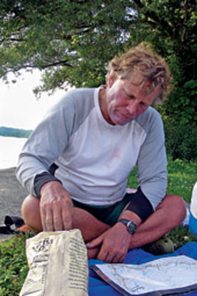 Al Freihofer rowed the Erie Canal from end to end, one stroke at a time; a snack and a check of the