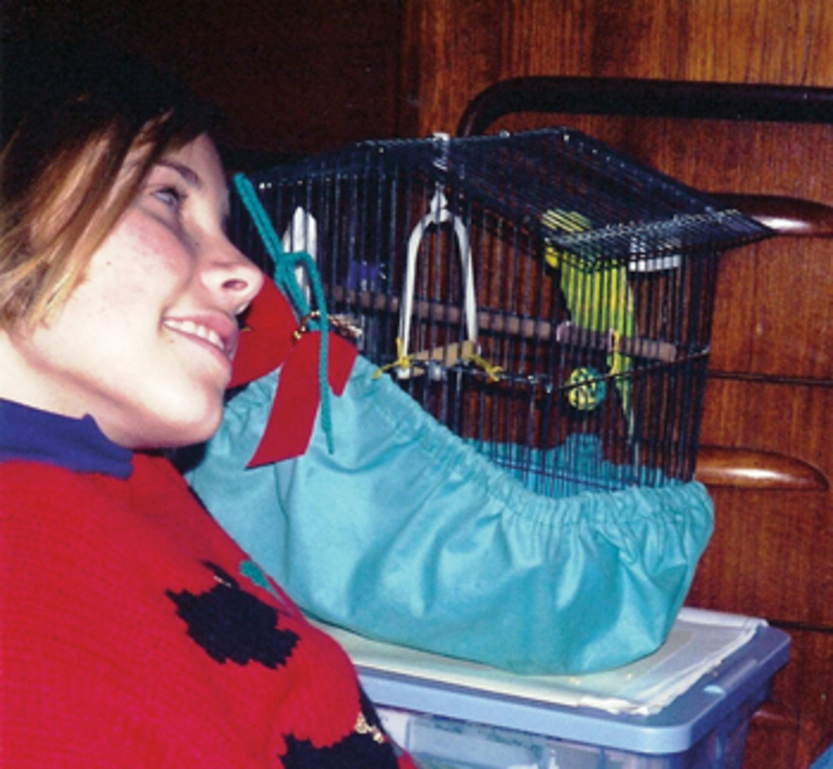 Many people go to great lengths to keep birds off their boats — not the Neale family — who always traveled with pets.