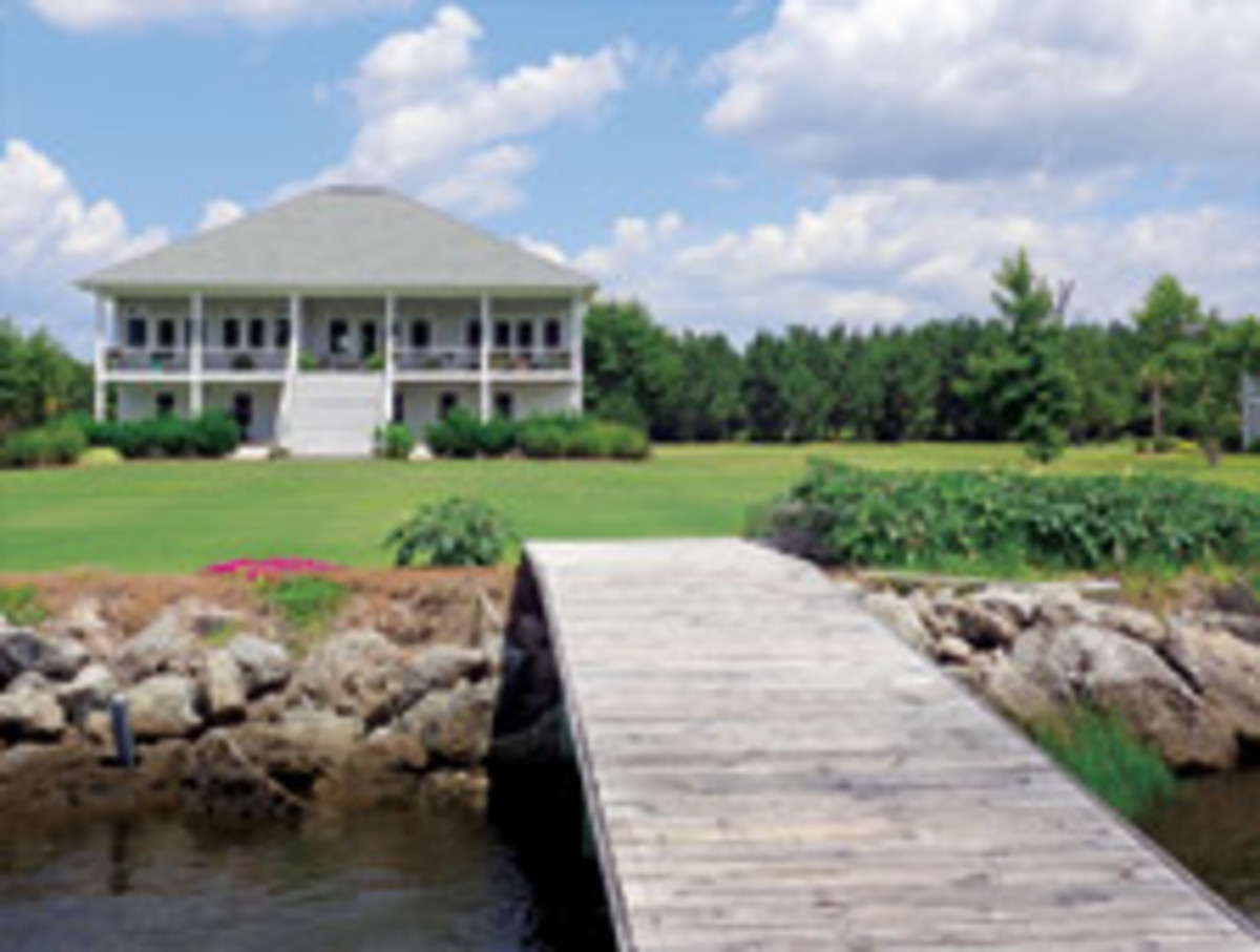The deepwater dock is just across the lawn.