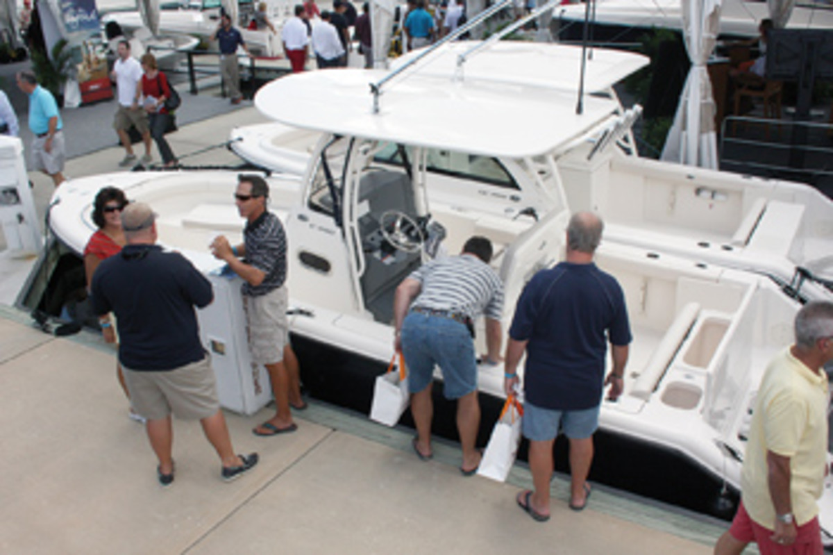 Boat shows provide a good opportunity to assess a variety of models, but focus on the details that matter. It's all too easy to be distracted by that new-boat smell.