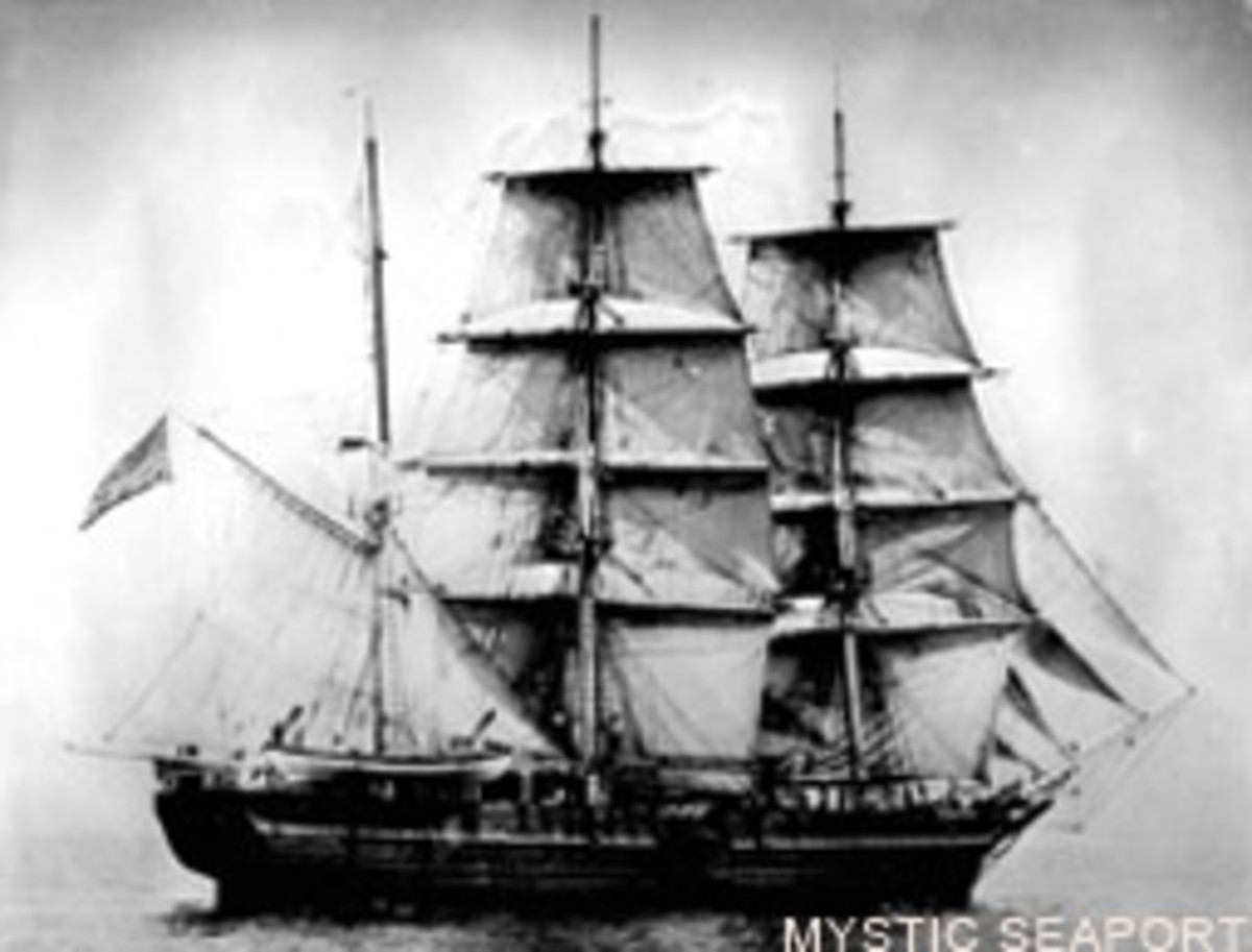 The Charles W. Morgan under sail in 1920, a year before she retired from whaling.