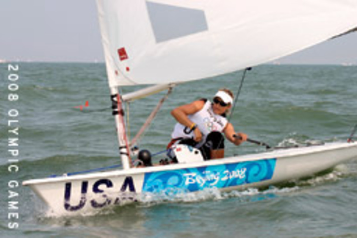 Anna Tunnicliffe, who won a gold medal in Beijing, battled her way to a bronze medal at the 2009 Laser Radial world championship in Karatsu, Japan.