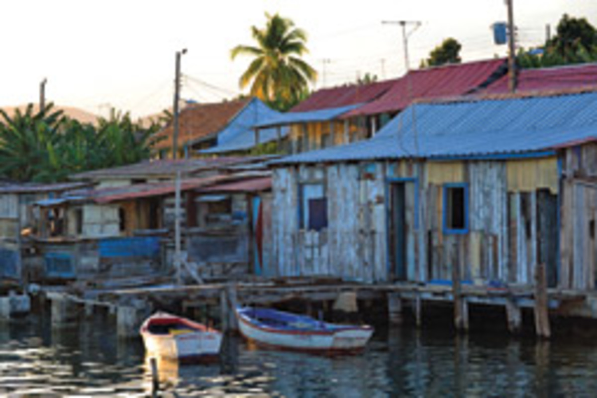 Modern boating facilities are rare, but quiet and beautiful spots, such as Cayo Granma in Santiago de Cuba, abound.