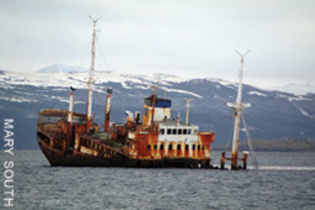 The missionary ship Logos, which carried Bibles when it wrecked in 1988 in the Beagle Channel, is too old to save. On the other hand, its parent company still employs a ship built in 1914.