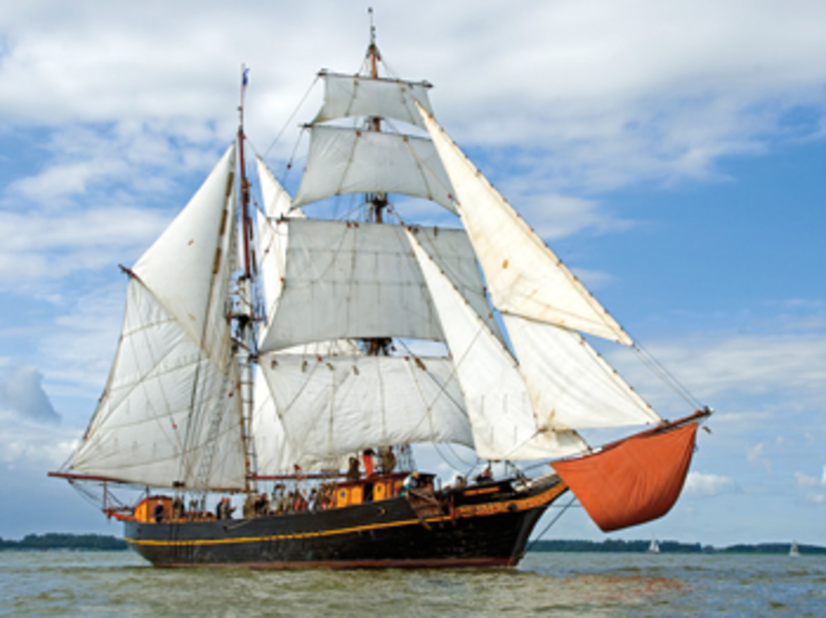 Tres Hombres carries as much as 35 tons of cargo and operates without an engine under 12 sails.