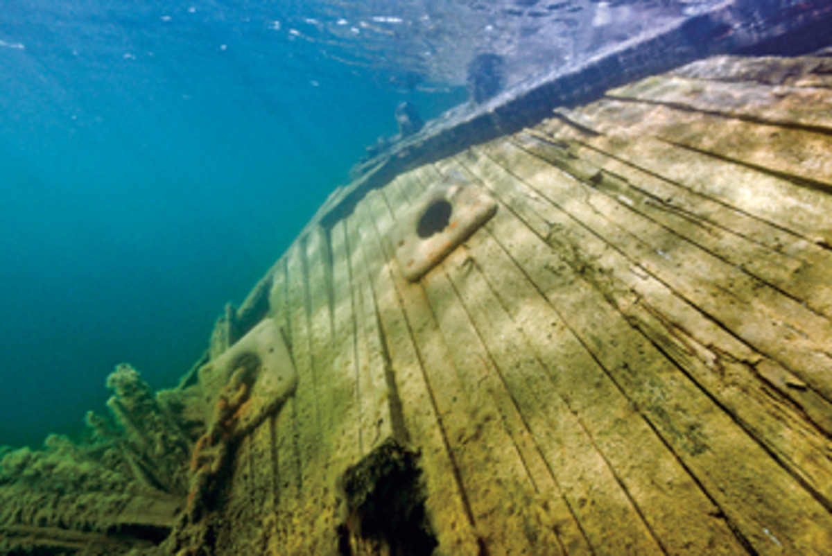 A team plans to recover the schooner Maud and bring her to the Norwegian town where she was launched nearly a century ago.