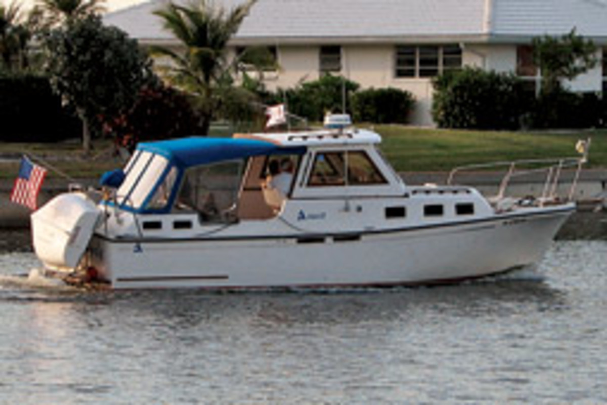 The Cromiers already knew the perfect boat for their trip: a 1988 Albin 27-foot aft-cabin trawler.