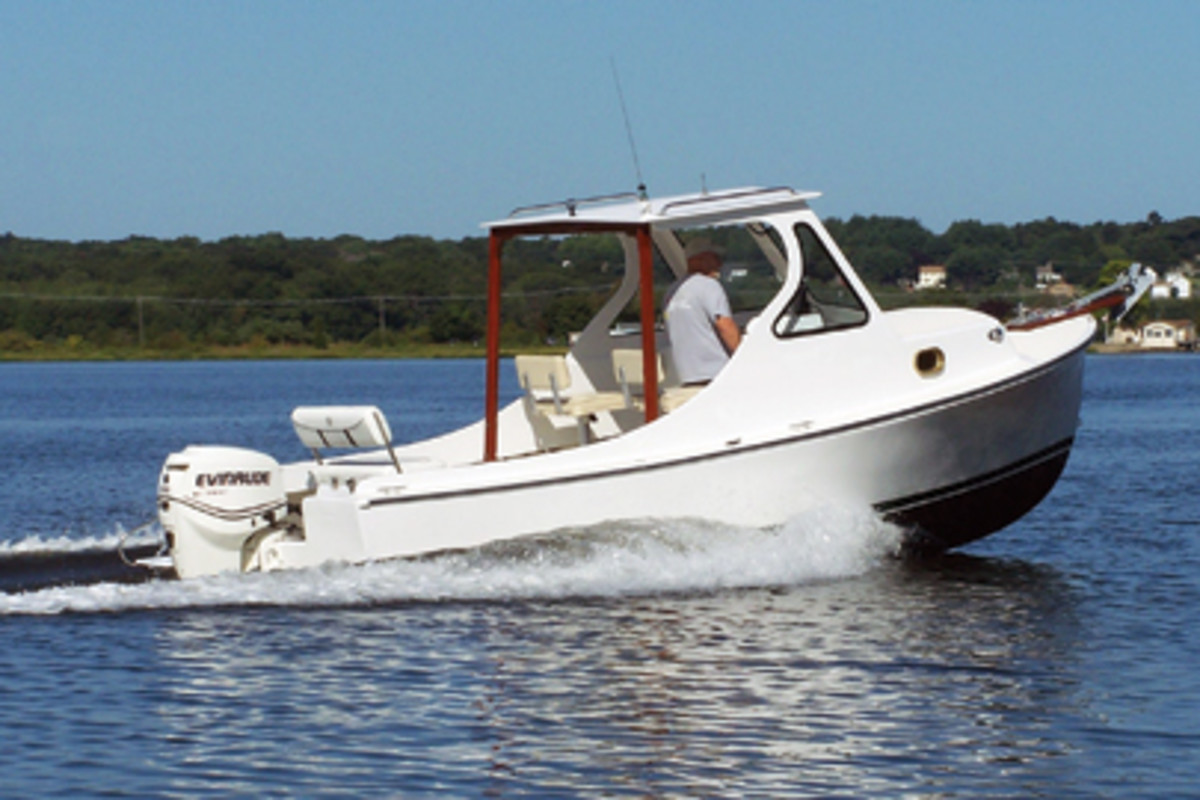 A yearlong restoration gave Roland Robert's 26-year-old Sisu 22 a new lease on life.