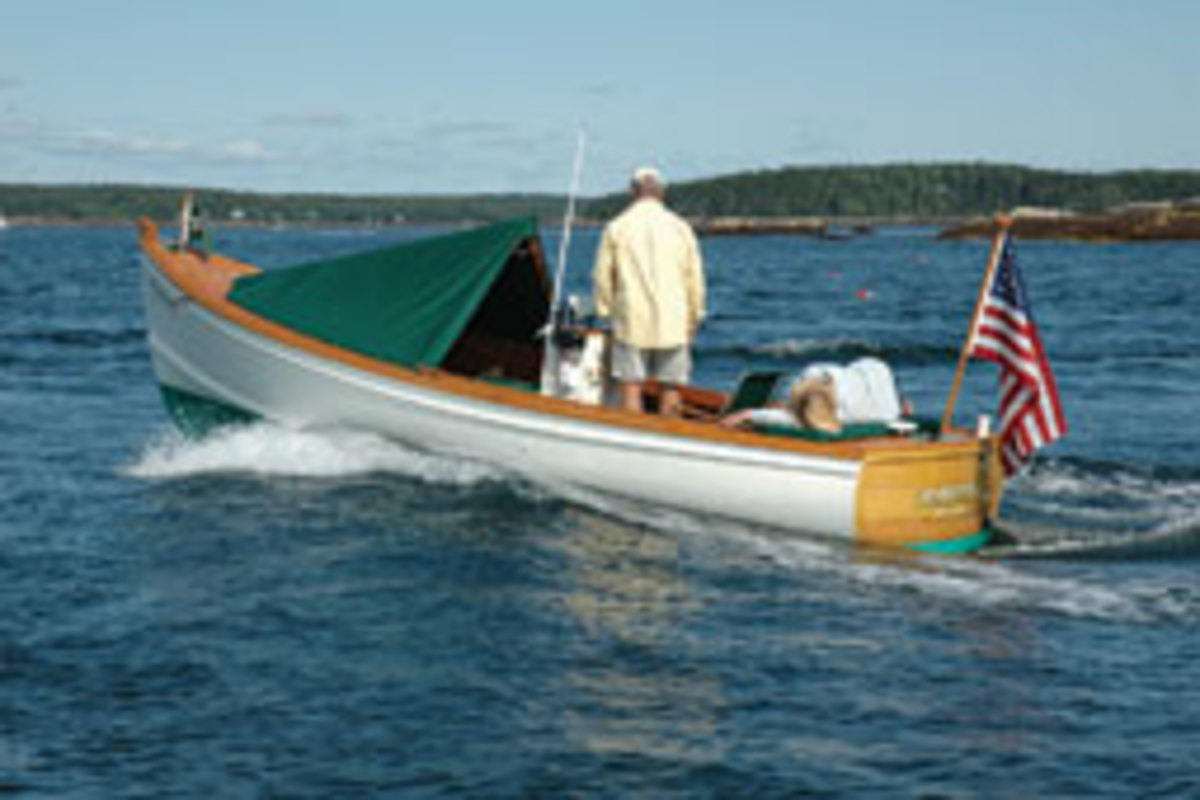 The Pulsifer Hampton is a dingle-diesel launch designed with a philospohy of simplicity and economy.