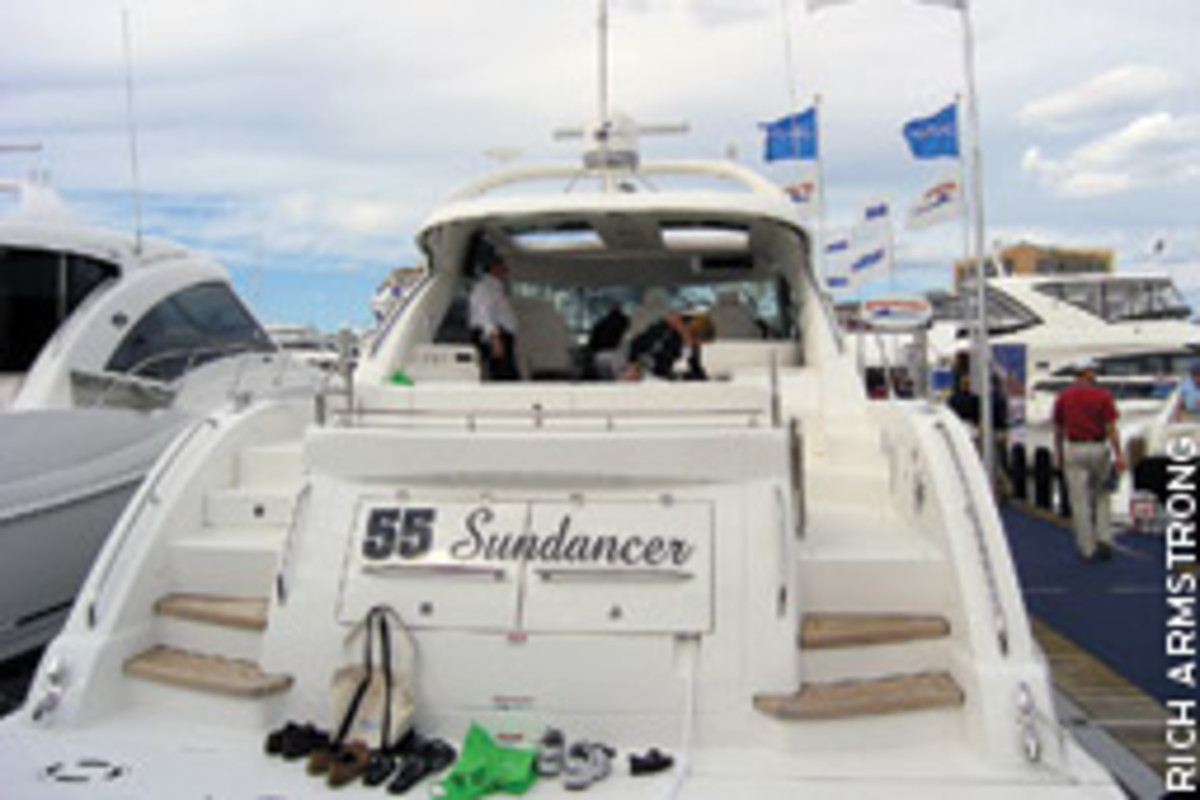 An observation from strolling the docks was, in general, the bigger the boat, the more foot traffic it received. The 55 Sundancer was among the models Sea Ray exhibited.