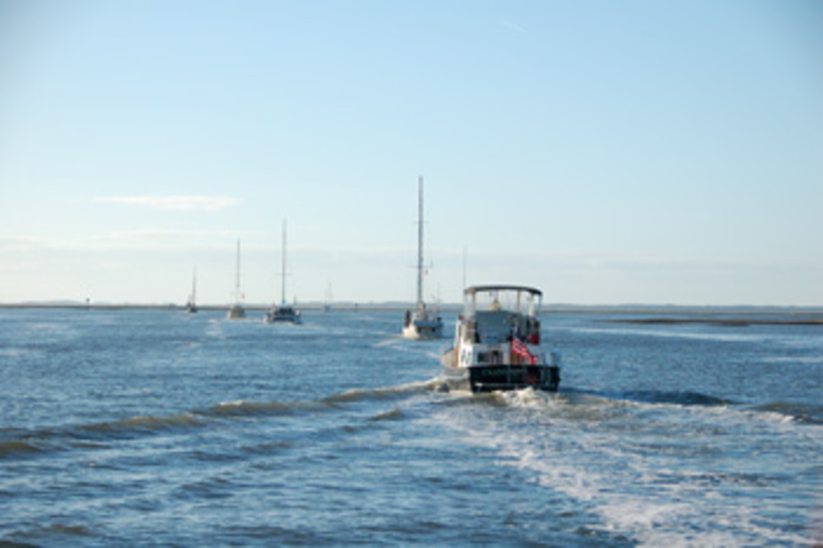 This group of boats was following the magenta line down the Intracoastal Waterway.