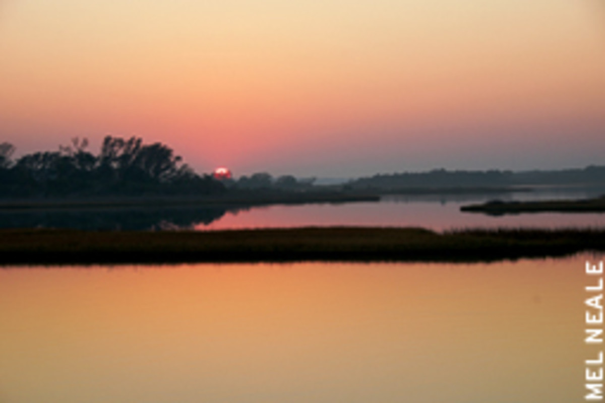 A spectacular sunrise, the start of another day on the ICW.