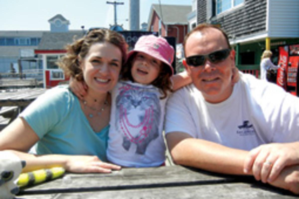Lindsay, Cate and Rick Davis