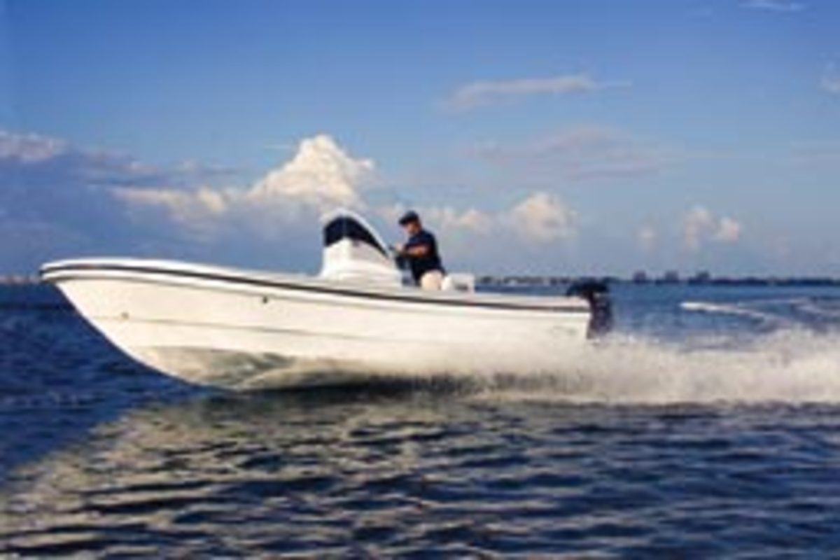 Mojito Boats builds this panga-style 18-foot center console.