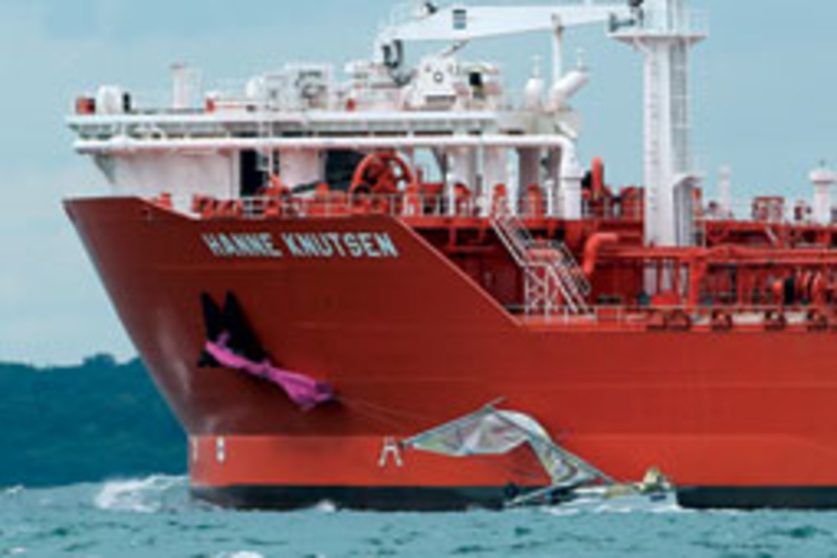 This sailboat-tanker collision during Cowes Week 2011 resulted in a Marine Notice on staying clear of ships.