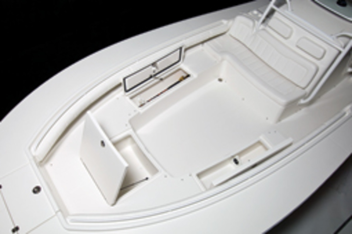 Regulator Marine's flagship 34SS has wraparound seating in the bow that also contains storage compartments.
