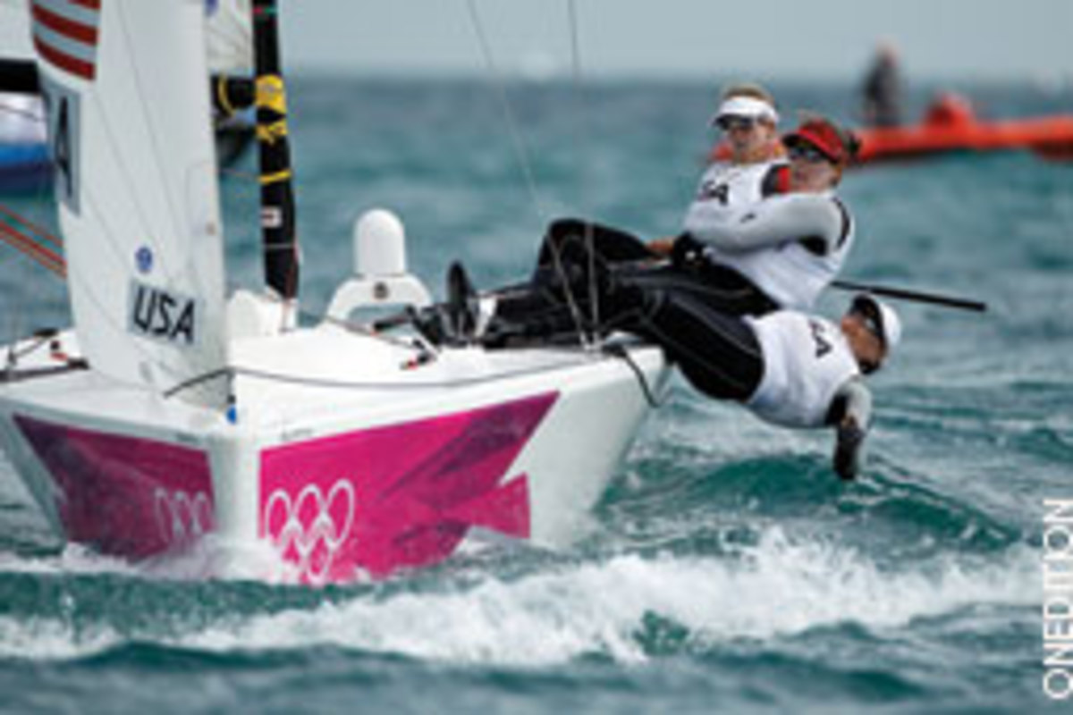 U.S. sailors Anna Tunnicliffe, Dabbie Capozzi and Molly Vandemoer were considered potential medalists but came up short in the Elliott 6m class, finishing fifth in women's match racing.
