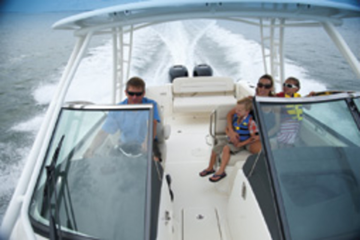Family fun aboard the versatile Boston Whaler 270 Vantage