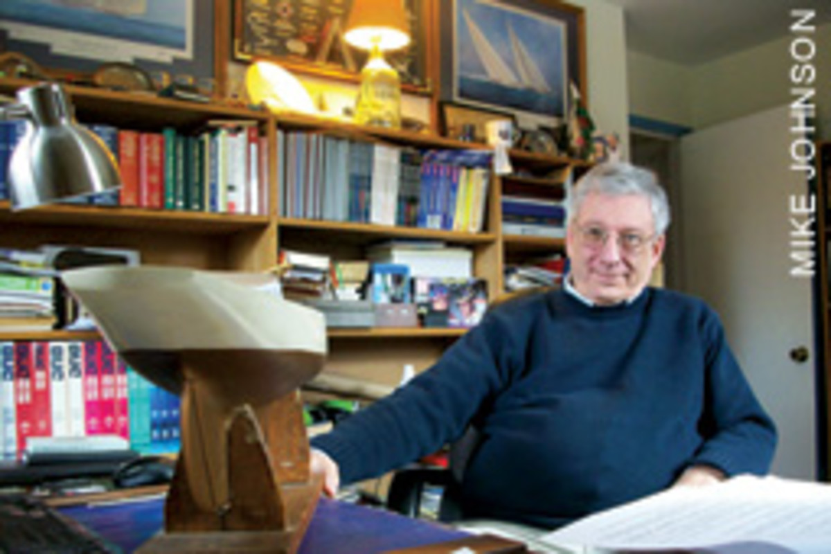 Mark Kellogg is gathering material for a biography of the legendary designer C. Raymond Hunt.