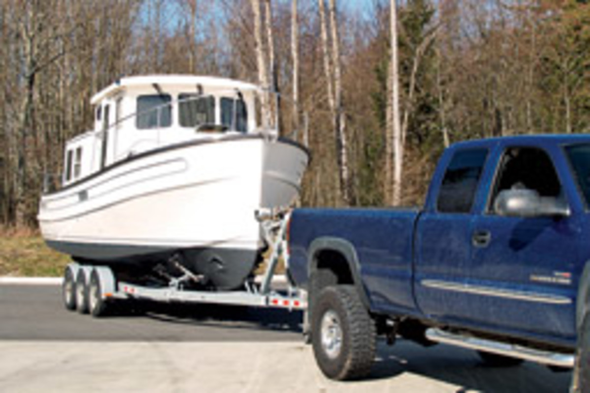 With its 9-foot, 6-inch beam and 6,800-pound dry weight, the NT 26 can be trailered to new cruising grounds.