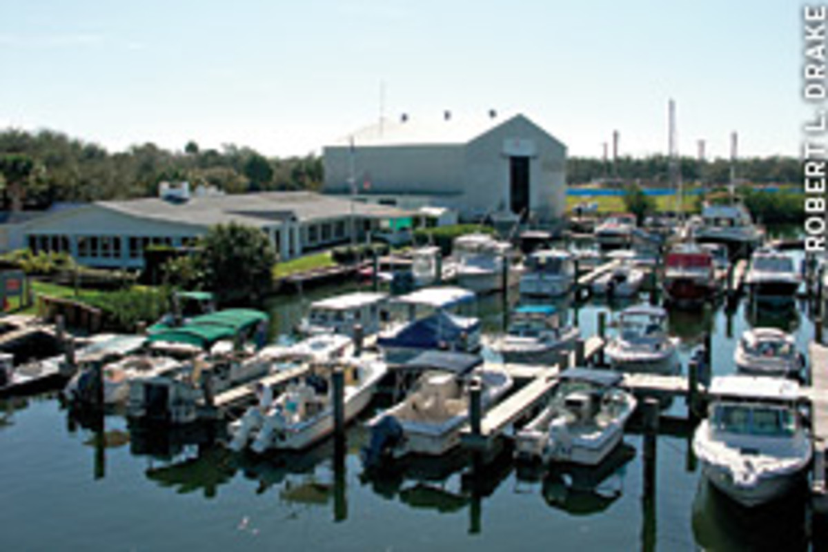 The Vero Beach Yacht Club stands between City Marina's north and south docks.