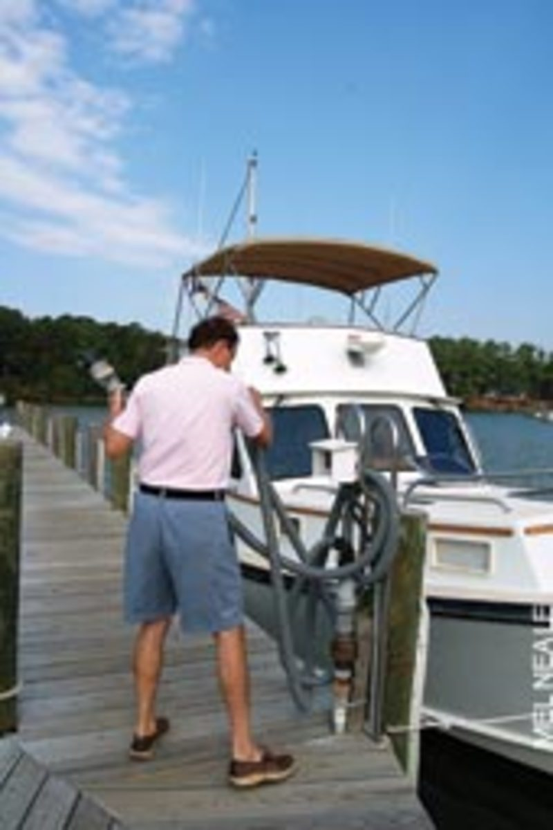This boater must travel around five miles from his dock to the only pumpout station for a large, popular, rural boating area.