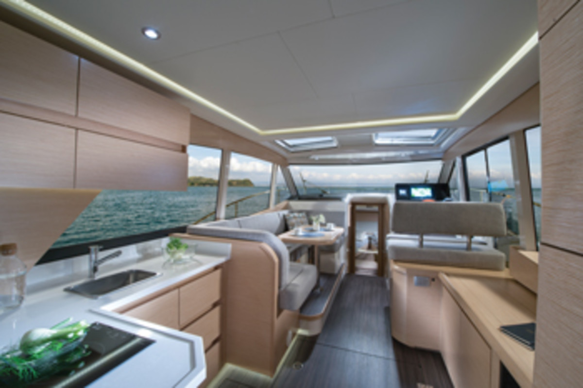 The saloon windows provide wide open vistas and lots of light. With the overhead panels and aft doors open, your natural surroundings seem part of the interior.