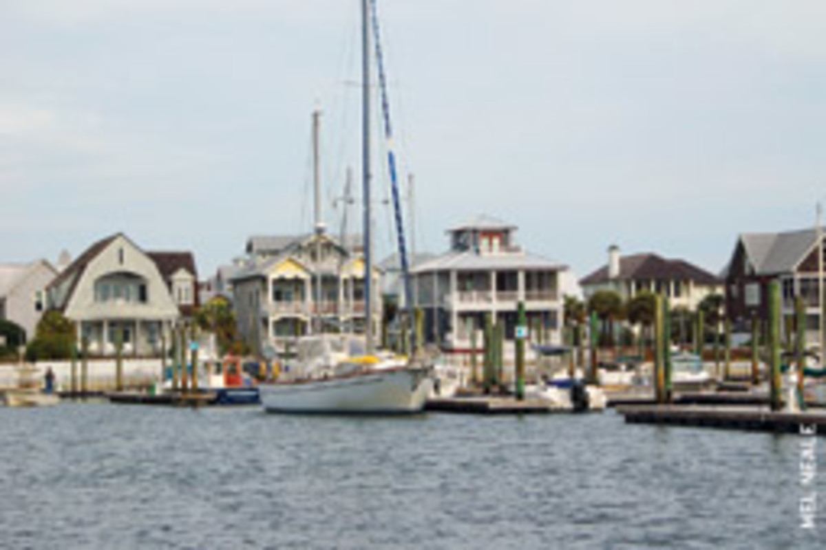 The writer docked his motorsailer at a T-head at Bald Head Island Marina.